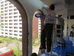 金町スタジオ 壁塗りの様子