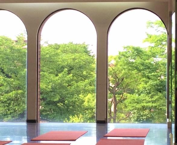 葛飾区 金町 レンタルスタジオ ヨガマット 窓から見える景色